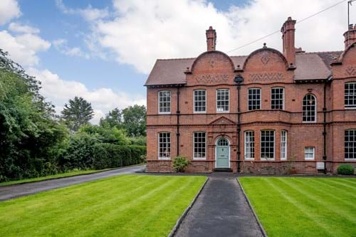 A 4 bedroom Edwardian house for sale in Chester