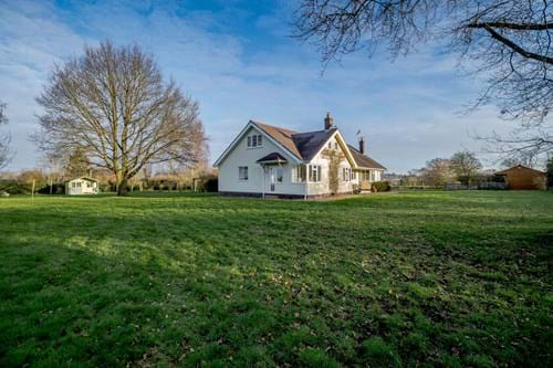 expansive gardens and paddocks to 2.6 acres at a bugalow for sale near Malpas